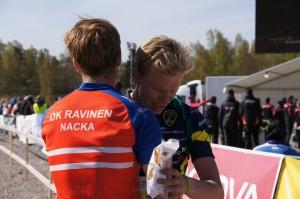 Med Olli-Markus efter målgång (foto: Anette Önerud)