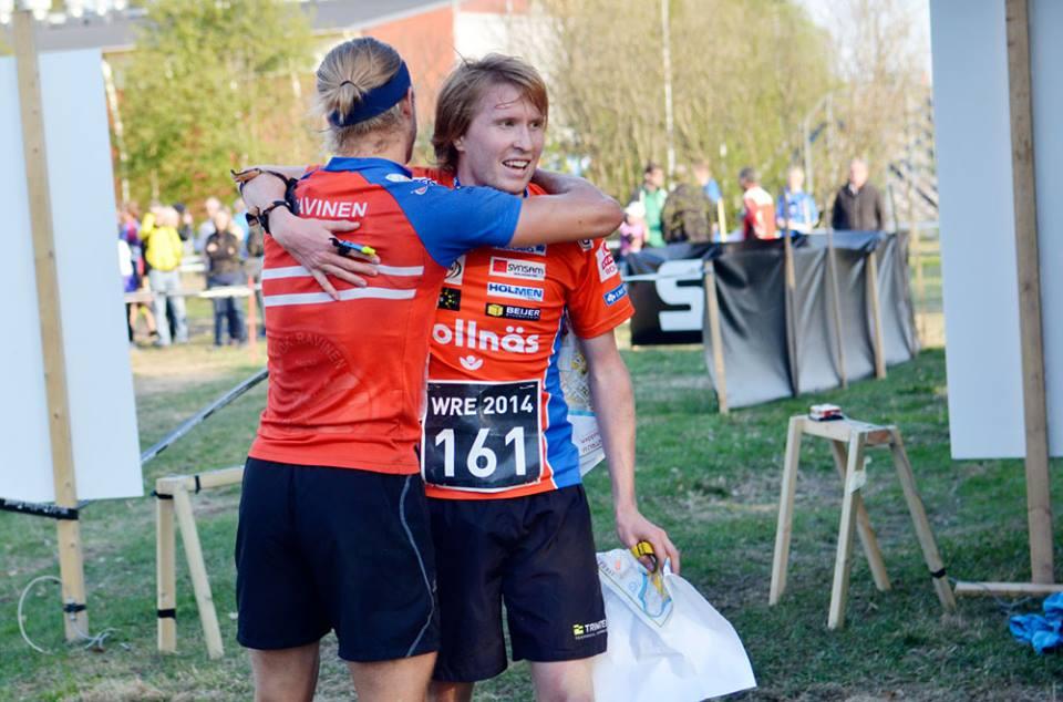 En sällsynt kram från Mästaren! (foto: Skogssport)